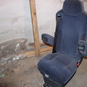 Beifahrersitz mit Armlehnen